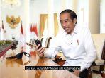presiden-joko-widodo-saat-melakukan-video-call-dengan-guru-smpn-7-padang-jumat-1192020.jpg