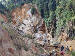 proses-pencarian-di-kawasan-tambang-emas-ilegal-di-kabupaten-solok-selatan-sumatera-barat.jpg