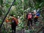 proses-pencarian-pria-78-tahun-yang-hilang-di-hutan-saniang-baka-kabupaten-solok.jpg