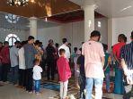 salat-idul-fitri-berjemaah-di-masjid-hidayah-kelurahan-pasar-ambacang.jpg