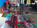 sejumlah-pedagang-oleh-oleh-khas-minangkabau-berjualan-di-lokasi-venue-mtq-nasional-ke-28.jpg