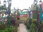 taman-bunga-green-house-lezatta-di-bukitinggi.jpg