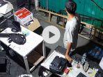 tangkapan-layar-rekaman-cctv-aksi-pencurian-hp-di-padang.jpg