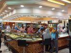 toko-emas-di-pasar-raya-padang.jpg