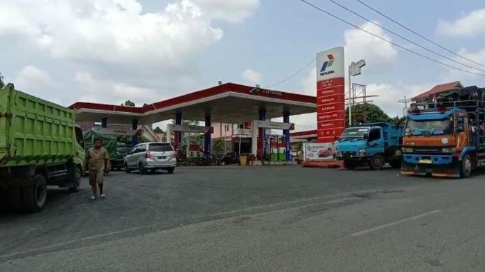Antrean Truk Mengular di SPBU Tanjung Kupang Empat Lawang, Sopir Mengeluh Pekerjaan Terhambat