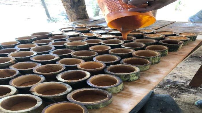 Sulap Nira Sawit Jadi Gula Aren, Petani di Muba Buka Lapangan Pekerjaan Baru