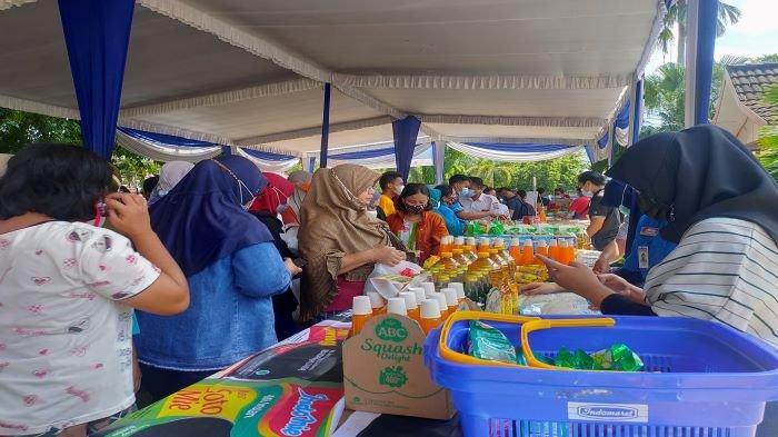 Warga Serbu Bazar Bahan Pokok di Kecamatan Sukarami, Digelar Bergilir di 18 Kecamatan Kota Palembang