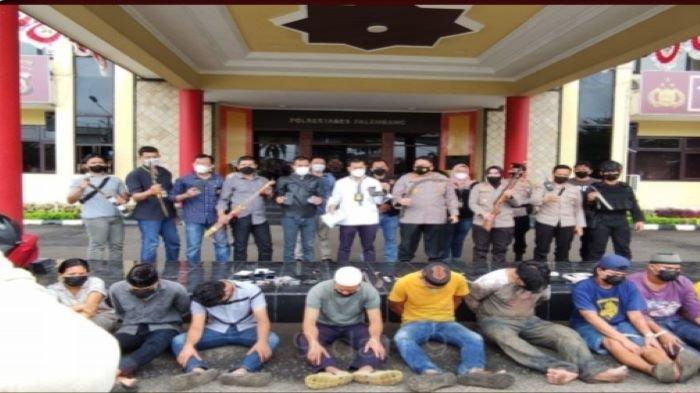 Polda Sumsel Jihad Perangi Narkoba, Kembali Bersihkan Kawasan Tangga Buntung, Amankan 14 Orang