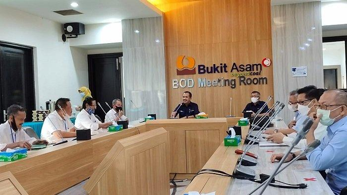 Dirut PTBA Terima Perwakilan Warga 2 Kecamatan, Bahas Solusi Masalah Lahan