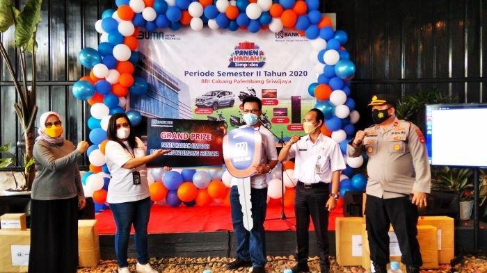 Pipin Srentika Gondol Grand Livina, Hadiah Utama Undian Simpedes BRI Cabang Palembang Sriwijaya