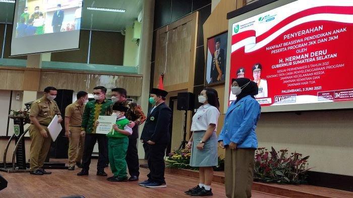 BPJamsostek Bayarkan Rp 21,5 Miliar Beasiswa Ahli Waris, Deru Ingatkan Perusahaan Pro Aktif