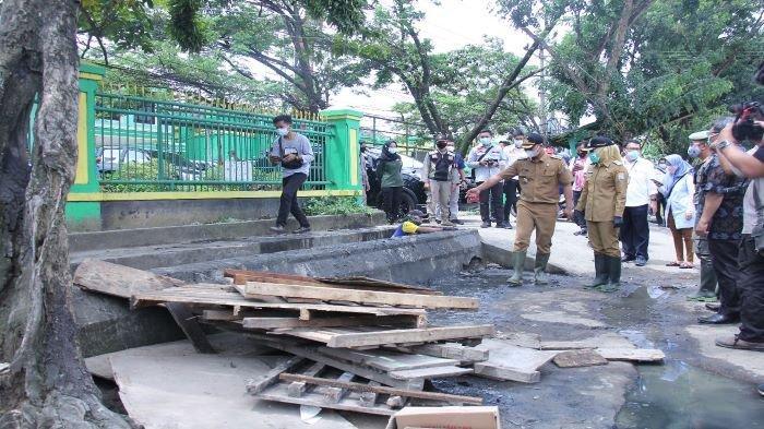 Pemkot Akan Bongkar 58 Kios Liar di Jalan KH Balqi 16 Ulu, Ganggu Drainase dan Bikin Macet Jalan