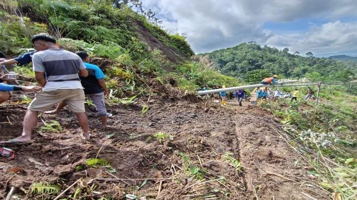 Longsor Timbun Badan Jalan Kisam Tinggi OKU Selatan, Warga Empat Desa Terisolir