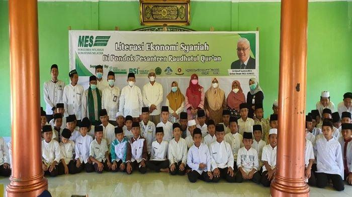 MES Sumsel Berikan Literasi Ekonomi Syariah kepada Santri Ponpes Raudhatul Qur'an Payaraman