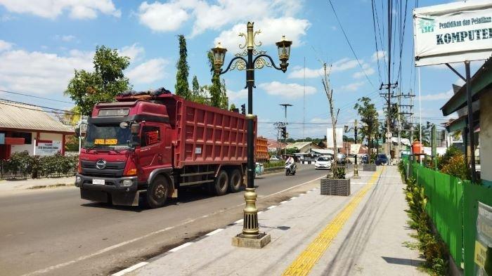 Wujudkan Impian Sebagai Kota Wisata, PTBA Percantik Pedestrian Kota Tanjung Enim