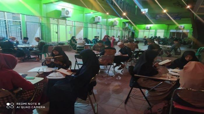 Cafe Quran Sedot Ratusan Pengunjung, Makan Minum Gratis Dapat Ilmu Dunia Akhirat