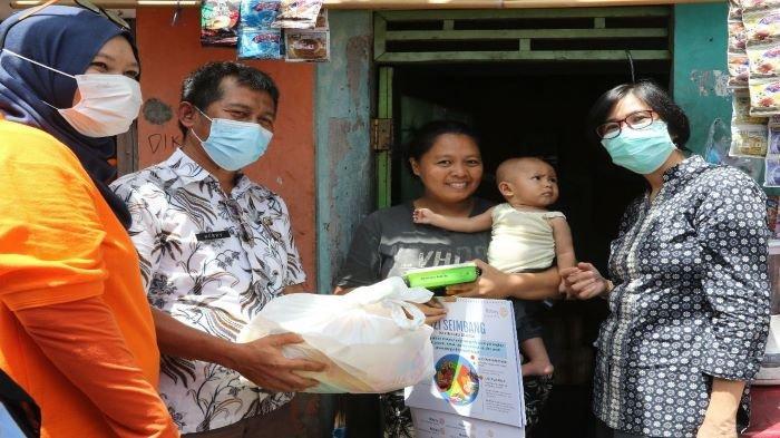 Fokus Pencegahan Rotary Club Serahkan Bantuan Alat Edukasi Pencegahan Stunting
