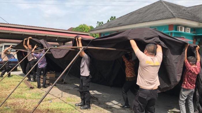 Antisipasi Lonjakan Pasien Covid-19, Polres Mura Dirikan Tenda Lapangan di RSD Beliti