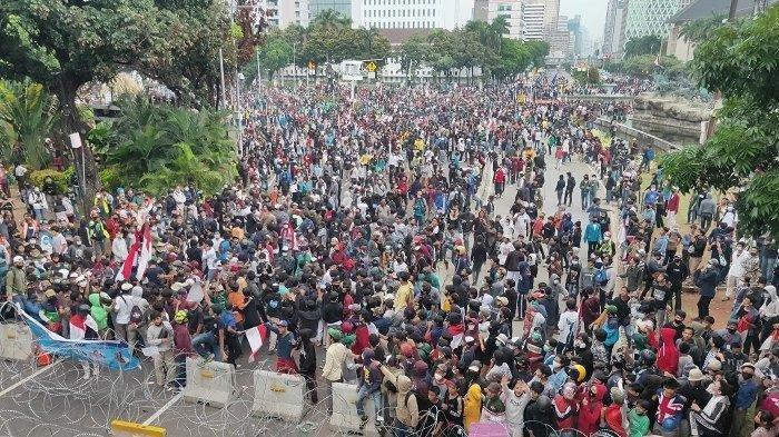 Remaja Ikut Demo di Istana Bogor, Dijemput Pulang oleh Ibunya