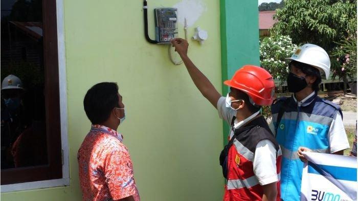 Sebanyak 80 pelanggan warga desa Laban Nyarit di Kalimantan Utara sudah dapat menikmati listrik