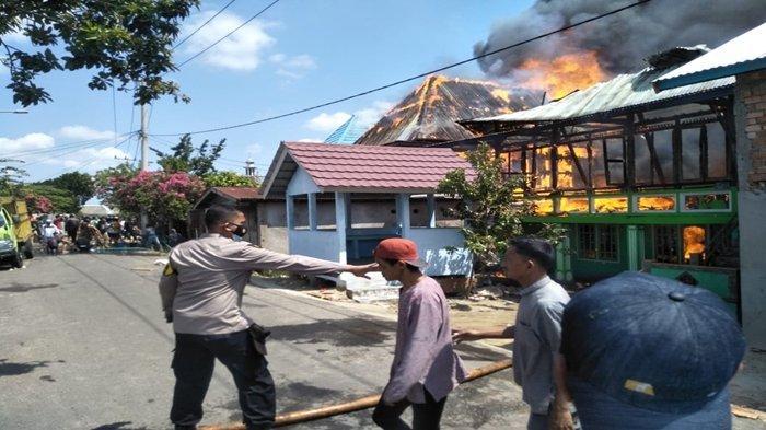 Kebakaran di Ogan Ilir, Berkat Teriakan Bocah 10 Tahun Penghuni di 25 Rumah yang Terbakar Selamat