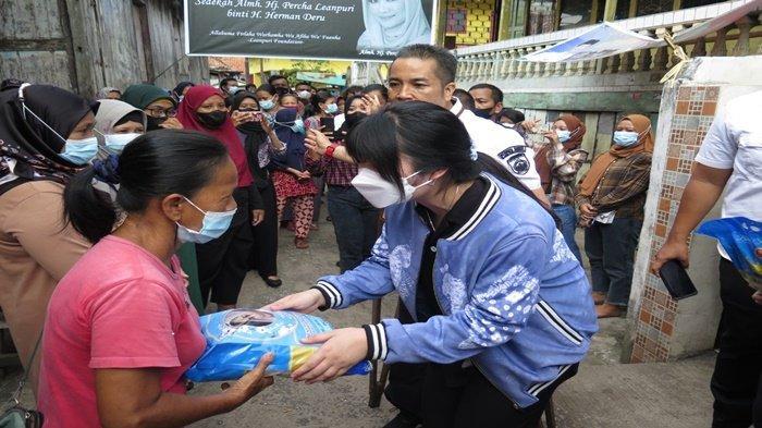 'Semoga Yunda Tenang di Sana',  Bagikan 2 Ton Beras Peringati 40 Hari Wafatnya Percha Leanpuri