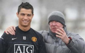 Cristiano Ronaldo Resmi Milik Manchester United, Cavani Bakal Rasakan Deja Vu