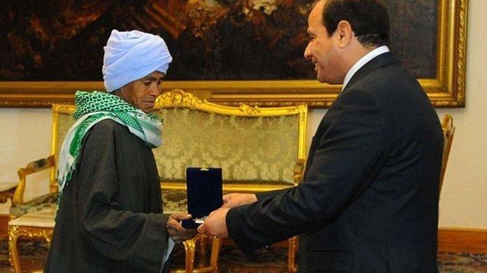 Dooh5 Abu Daooh juga menerima penghargaan dari pemerintah Mesir.