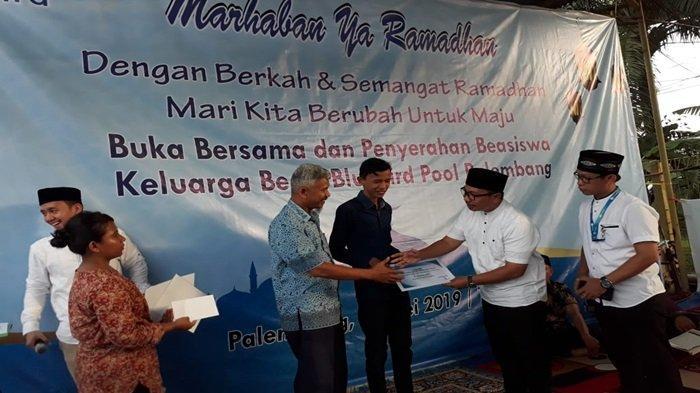 Empat Anak Pengemudi Bluebird Raih Beasiswa, Palembang Kebagian Unit Mobil Listrik