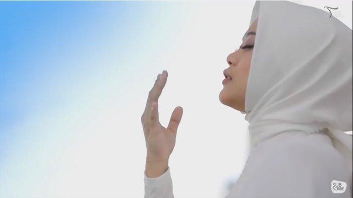 Kunci Gitar dan Lirik Lagu Nawaitu Surga oleh Agnes POPA, Lagu Religi Cocok Diputar di Saat Ramadhan