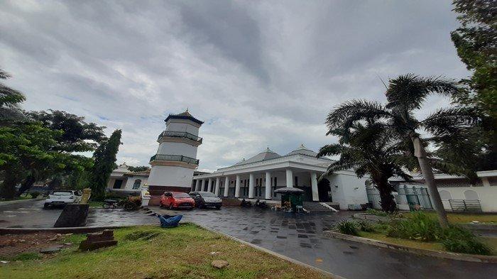 Sholat Idul Fitri di Masjid Agung, Pengurus Hanya Izinkan Warga Dari Dua Kelurahan Ini yang Datang