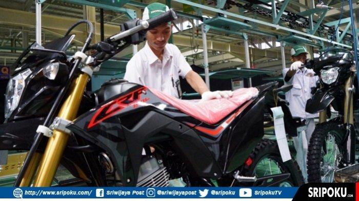 Tampil Beda, New Honda CRF150L Siap Diajak Berpetualang. Berikut Harga OTR Sumsel
