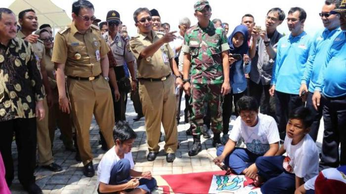 Ahok: Kamu Kira Kami Bohong Bangun Masjid, Naikkan Haji Marbut?