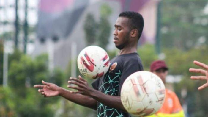 Gagal Seleksi Trial Sriwijaya FC, Aidil Usman Diarra, Striker Berdarah Afrika Ini Balik 'Kampuang'