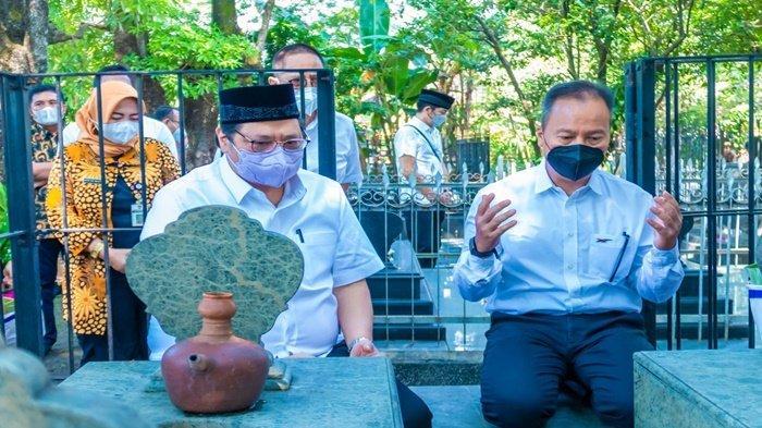 Ziarah Eyang Kakung, Ternyata Airlangga Hartarto Keturunan Trah Mangkunegara