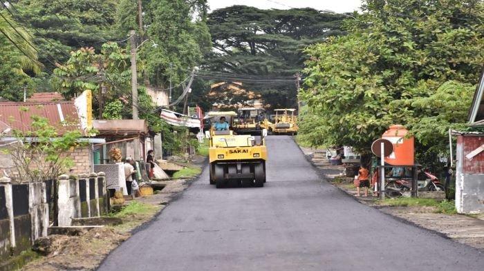 Peduli Terhadap Lingkungan, PTBA Aspal Beberapa Ruas Jalan di Tanjung Enim Sepanjang 4,754 KM