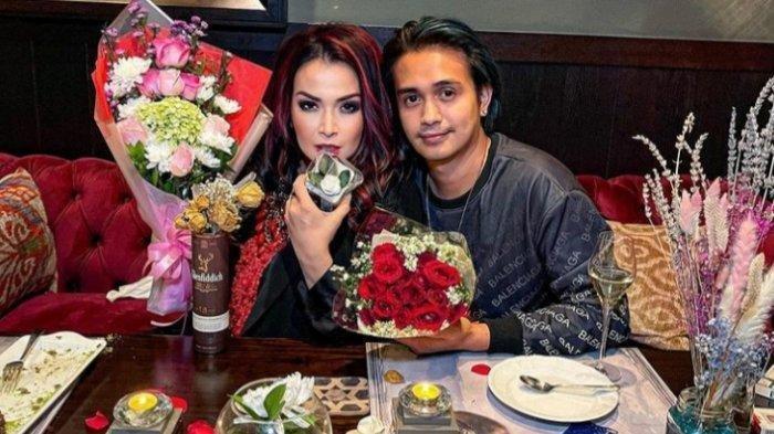 Jennifer Jill dan Ajun Perwira saat merayakan momen Hari Valentine 14 Februari 2021.