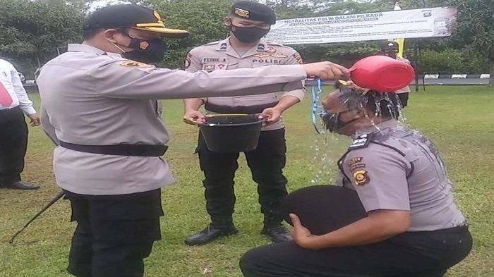 """Puluhan Personil Polres OKU Naik Pangkat Langsung""""Diguyur"""" Air"""