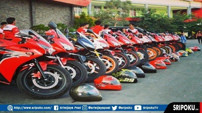 Meski Menunggang Motor Balap, Komunitas CBR Club Indonesia Tetap Safety Riding di Jalan Raya