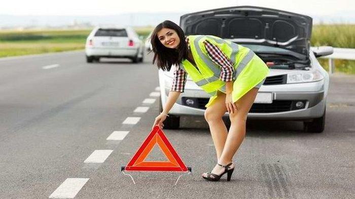 Jangan Lupa Siapkan Selalu Lima Peralatan Darurat yang Wajib Ada Ini Saat Anda Mengendarai Mobil