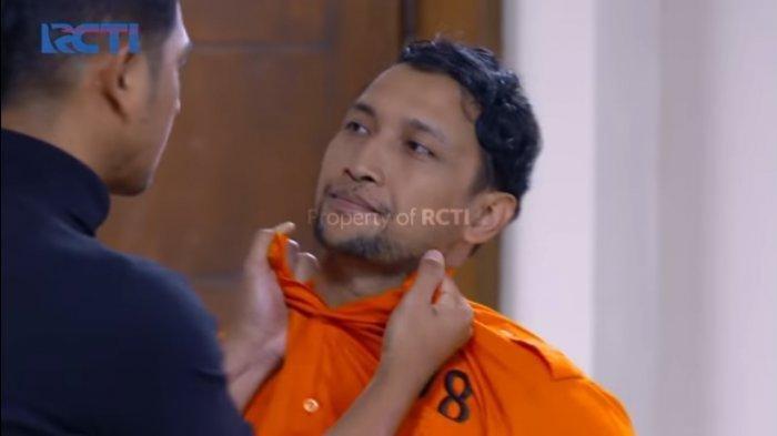 Aldebaran berhadapan dengan Felix yang dihukum karena coba menusuk Hartawan