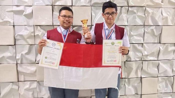 Berkat Baterai dari Ampas Kopi, 2 Siswa SMA di Bandung Raih Medali Emas di Korea