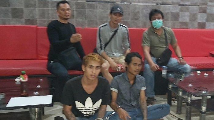 'Mana Duit' Andy Pirang Pasang Wajah Sangar, Palaki Pengusaha Bunga di Palembang