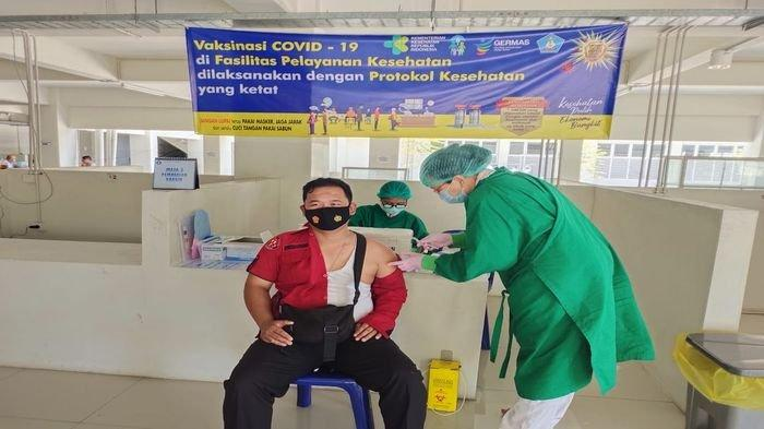 Polres OKU Melakukan Pengamanan, Sebar Personel di Titik Pelaksanaan Vaksinasi Covid-19
