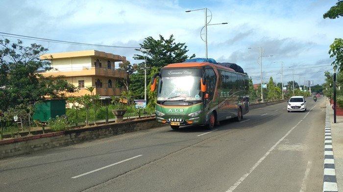 Bus Angkutan Umum Masih Melintas Jalinsum Sumsel - Jambi di Muratara, Yakin Belum Ada Pemudik