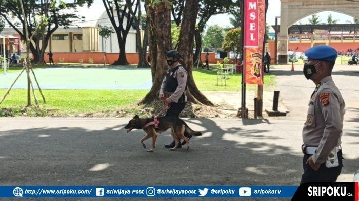 SIANG INI, Kapolri & Panglima TNI Kunker ke Palembang, Anjing K9 Dikerahkan Sterilisasi Lokasi Acara