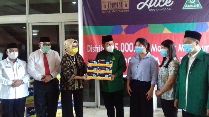 GP Ansor dan Aice Dukung Pemulihan Ekonomi Sumsel Lewat Distribusi Masker Medis