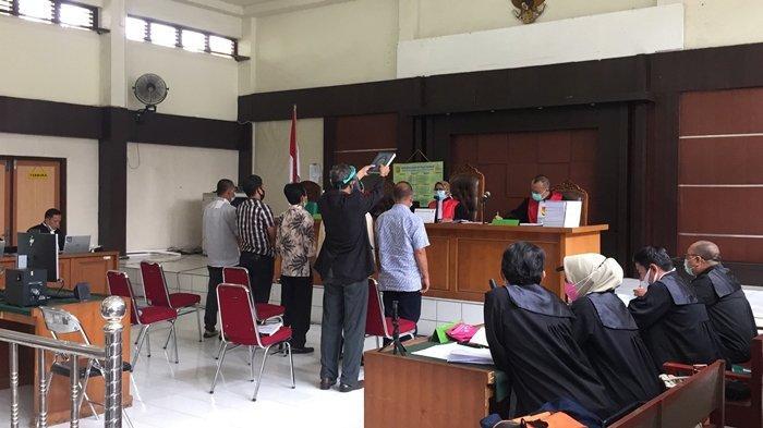 Johan Anuar Pilih Bungkam Tanggapi Keterangan Saksi, Kasus Mark Up Lahan Makam di OKU