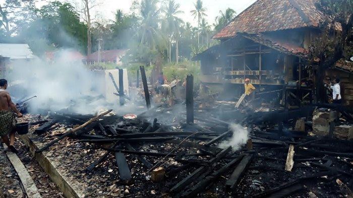 Satu Rumah Panggung Terbuat dari Kayu di Lubuk Pauh Musirawas Ludes Terbakar