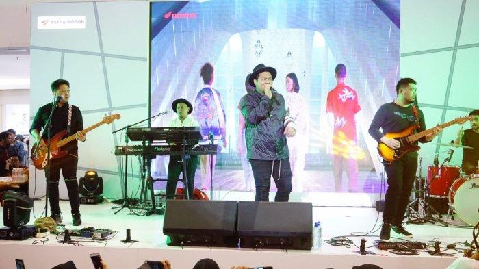 Virgoun Surat Cinta untuk Starla Bius Pengunjung PS Mall, Honda Luncurkan Honda Genio dan ADV 150